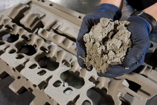 BMW Plant Landshut, light-metal foundry, production of inorganically bonded cores, basic raw material: pit-iron sand (10/2009)