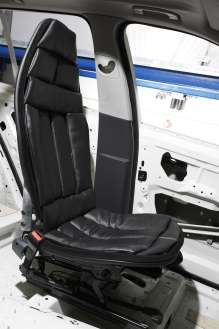 Seat concept Space Comfort Shell in a car body (10/2009)