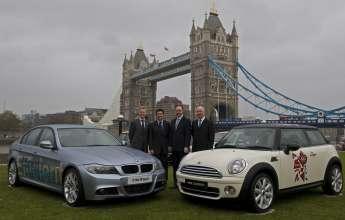 BMW wird Automobil-Partner der Olympischen Spiele und Paralympics 2012 in London. V.l.: Paul Deighton, CEO des Londoner Organisationskomitees für die Olympischen Spiele und Paralympics (LOCOG); Lord Sebastian Coe, Vorsitzender LOCOG; Ian Robertson, Mitglied des Vorstands der BMW AG, Vertrieb und Marketing, und Tim Abbott,  Leiter BMW UK, am 18.11.2009 in London.