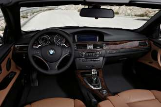 The new BMW 3 Series Convertible - Cockpit (01/2010)