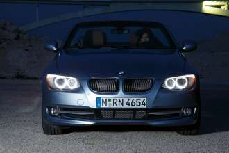 The new BMW 3 Series Convertible - night view (01/2010)