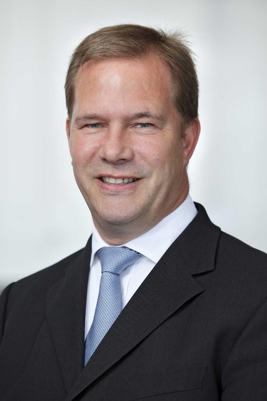 peter picker finance director bmw group uk rolls royce engine swap