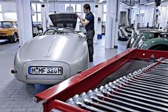 Kundenrestaurierung in der Werkstatt der BMW Classic.