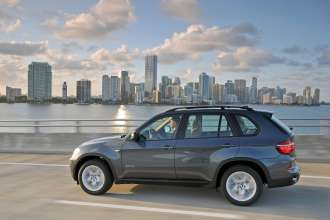 The new BMW X5 xDrive40d – On Location Miami (04/2010)