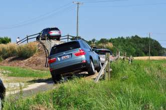 Following the tour, participants drive BMW X5s on an off-road course at The BMW Performance Center in Spartanburg, S.C. (05/2010)