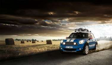 MINI Cooper D Countryman with accessories (09/2010)