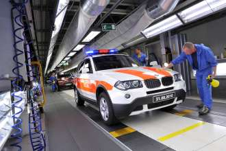 The second last and the last first generation BMW X3 roll off the production line in Graz. (09/2010)