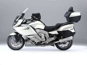 BMW K 1600 GTL, high windshield and rider´s seat with pillion seat from BMW K 1600 GT, tankbag, auxiliary LED headlights, engine protection bar, Akrapovic sports silencer (10/2010)(10/2010)