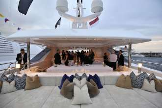 "BMW at the Monaco Yacht Show: Sundeck ""Cloud 9"" (09/2010)"
