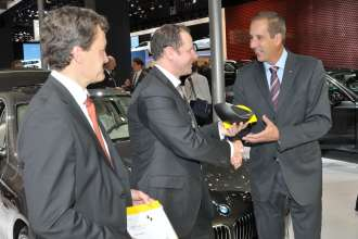 BMW ConnectedDrive receives special Euro NCAP award for Assist Advanced eCall, an advanced emergency call system with automatic localisation and accident severity detection (10/2010).