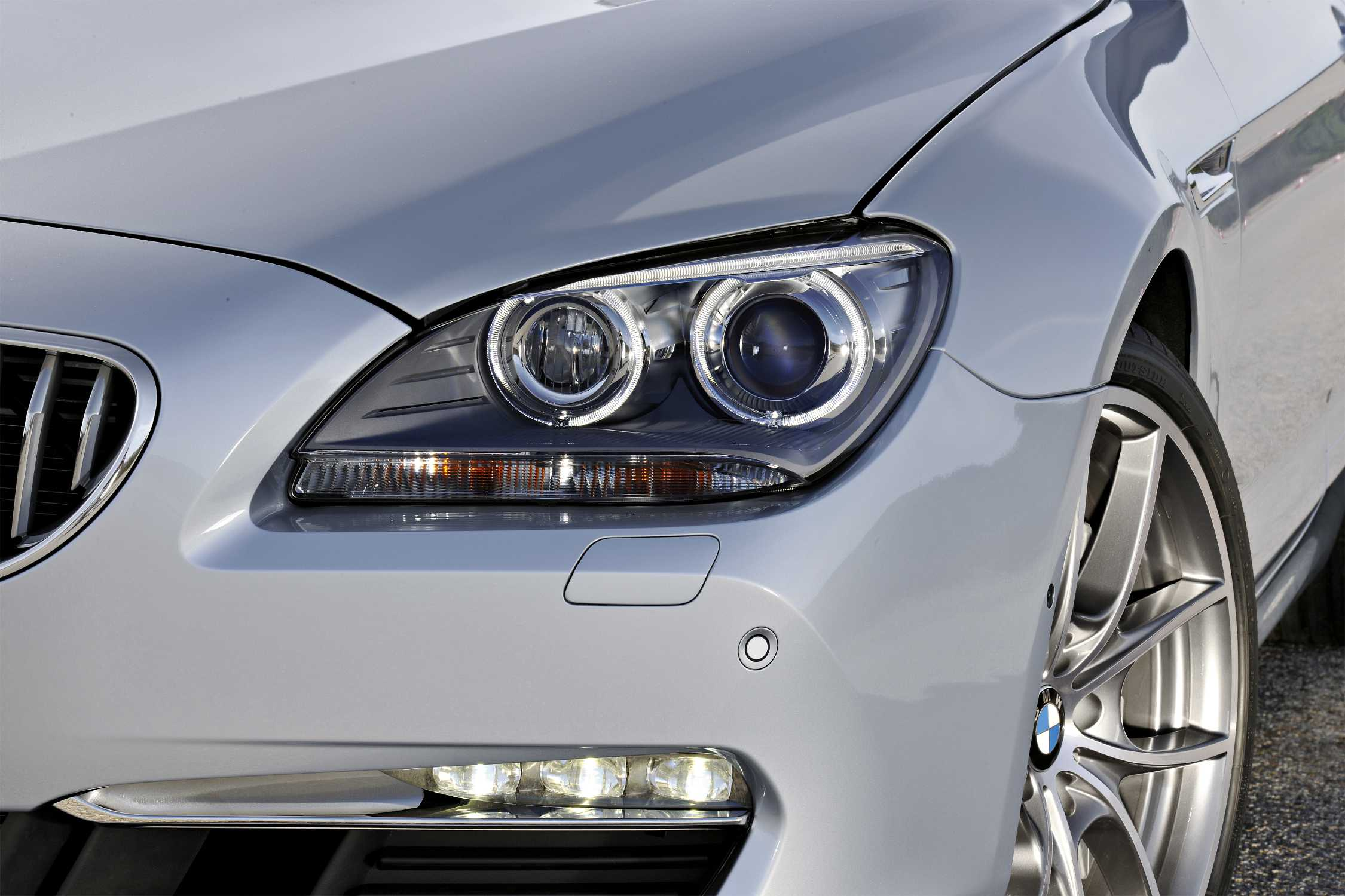 The New Bmw 6 Series Convertible Bi Xenon Headlamps With