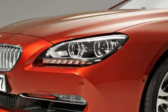 The new BMW 6 Series Coupe - Exterior, Adaptive LED Headlights for low and high beam, including cornering function, foglamps with LED technology. Lights off (03/2011).