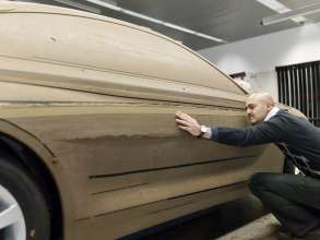 Nader Faghizadeh (Exterior Designer BMW 6 Series Coupe) at a BMW 6 Series Coupe clay model (03/2011).