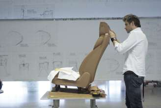 Seat - Jochen Paesen (Interior Designer) modelling a seat of the BMW 6 Series Coupe (03/2011).