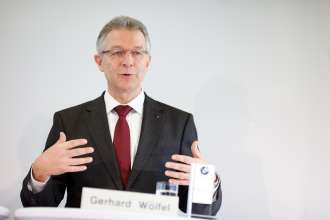 2010 - ein Jahr der Rekorde für die BMW Group in Österreich. DI (FH) Gerhard Wölfel, GF BMW Motoren GmbH, Steyr (01/2011)