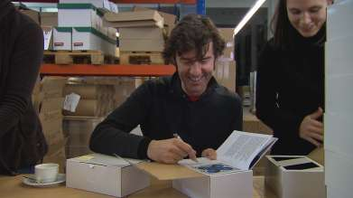 Stefan Sagmeister at the 1488 CULTURE book signing of the 1488 CULTURE books for the BMW Group's cultural communication. (02/2011)