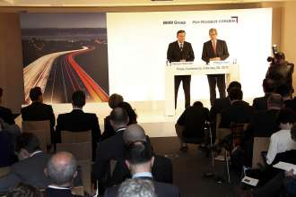 Dr. Norbert Reithofer, Chairman of the Board of Management of BMW AG, and Philippe Varin, Chairman of the Managing Board of PSA Peugeot Citroën, at their joint press conference in Geneva on 28th Februay 2011. (02/2011)