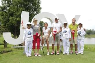 BMW Golf Cup International, Team Austria mit Caddies (von links nach rechts) Frau Elfriede Grabner, Frau Johanna Häufle (Agenturbetreuung), Günther Wedl, Günther Priestner (02/2011)
