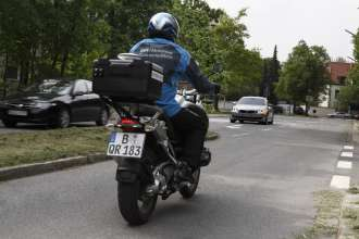 Research project Left turn assistant (Car-2-X communication) by BMW ConnectedDrive and BMW Motorrad ConnectedRide (05/2011)