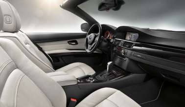 Very elegant and high-grade: interior of the BMW 3 Series Convertible Edition Exclusive (07/2011)