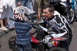 BMW Motorrad Days 2011, Chris Pfeiffer mit Sohn Hannes (07/2011)
