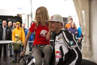 BMW Motorrad Days 2011, Alexandra Martens mit Chris Pfeiffer (07/2011)