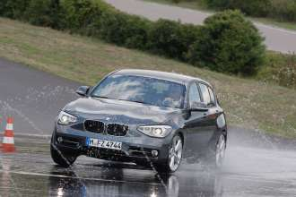 The new BMW 1 Series 120d xDrive (07/2011)