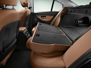 New BMW 3 Series: Rear seat backrest fully folded (10/2011)