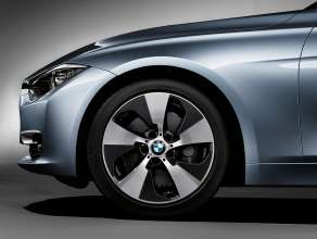 BMW ActiveHybrid 3: Special wheel design (10/2011)