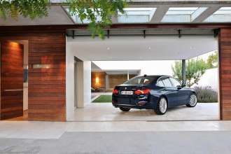 The new BMW 3 Series Sedan, Luxury Line (10/2011)