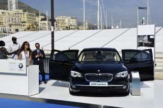 BMW at the Monaco Yacht Show 2011: BMW Individual 7 Series Composition inspired by Steinway & Sons