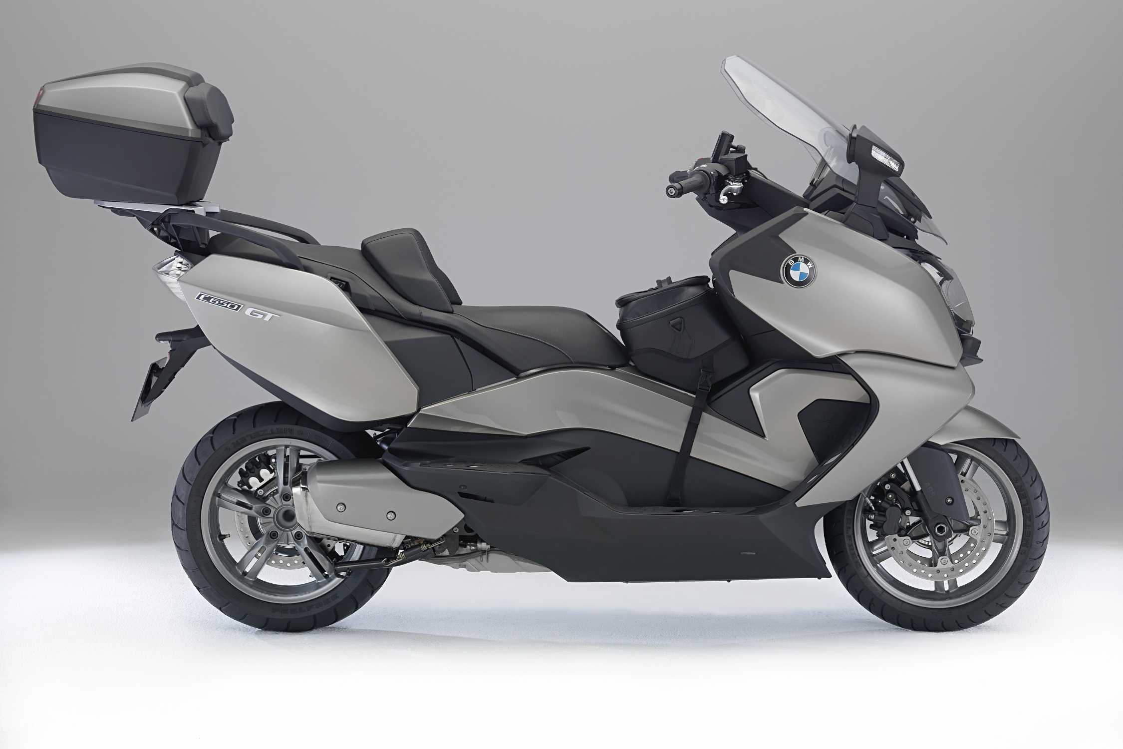 bmw c 650 gt with luggage rack topcase backrest for passenger seat heating centre tunnel bag. Black Bedroom Furniture Sets. Home Design Ideas