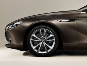 The new BMW 650i Gran Coupe: 19'' light alloy wheels with V-Spoke 366 (12/2011).