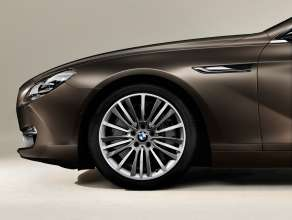 The new BMW 650i Gran Coupe, Exterior: 19'' light alloy wheels with V-Spoke 423 (12/2011).