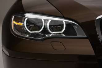 The new BMW X6, Adaptive LED-Headlamps. (01/2012)