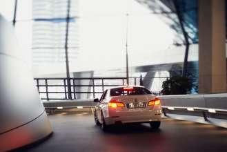 BMW 5er Sedan in der BMW Welt. (Annual Report - Shooting) (02/2012)