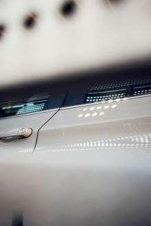 BMW auf einem Förderzug. (02/2012)