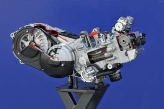 BMW C 600 Sport, BMW C 650 GT, cut-away engine (02/2012)