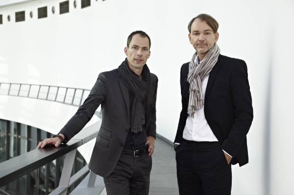 Anders Warming, Leiter MINI Design und Adrian van Hooydonk, Leiter BMW Group Design (04/2012)