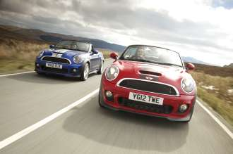 MINI ROADSTER (RED CAR - MINI COOPER S, BLUE CAR - MINI COOPER SD)