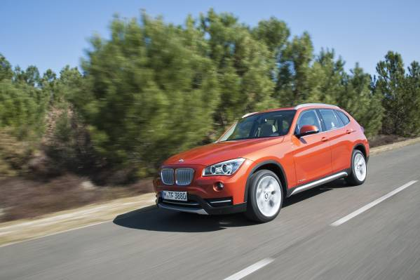 The new BMW X1 - Car-to-car. (05/2012)