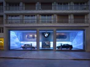 BMW George V, Paris. First new BMW Brand Store (05/2012)]