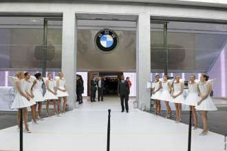 BMW George V, Paris. First new BMW Brand Store (05/2012)