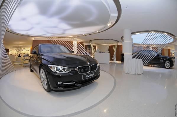 BMW George V, Paris. Erster neuer BMW Brand Store (05/2012)