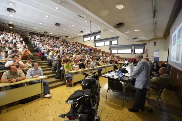 Padova, 30 maggio  2012. BMW Motorrad incontra gli studenti del Politecnico di Padova per un workshop sull'innovazione tecnologica in funzione della sicurezza stradale (05/2012).