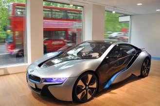 Ausstellung des BMW i8 Concept im weltweit ersten BMW i Store - BMW i Park Lane, London (06/2012)