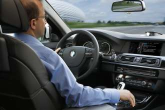 BMW ConnectedDrive, message dictation function (07/2012)