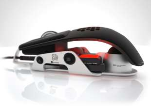 DesignworksUSA revolutionizes the World of Gaming: Side Perspective of the Level 10 M Mouse.(08/2012)