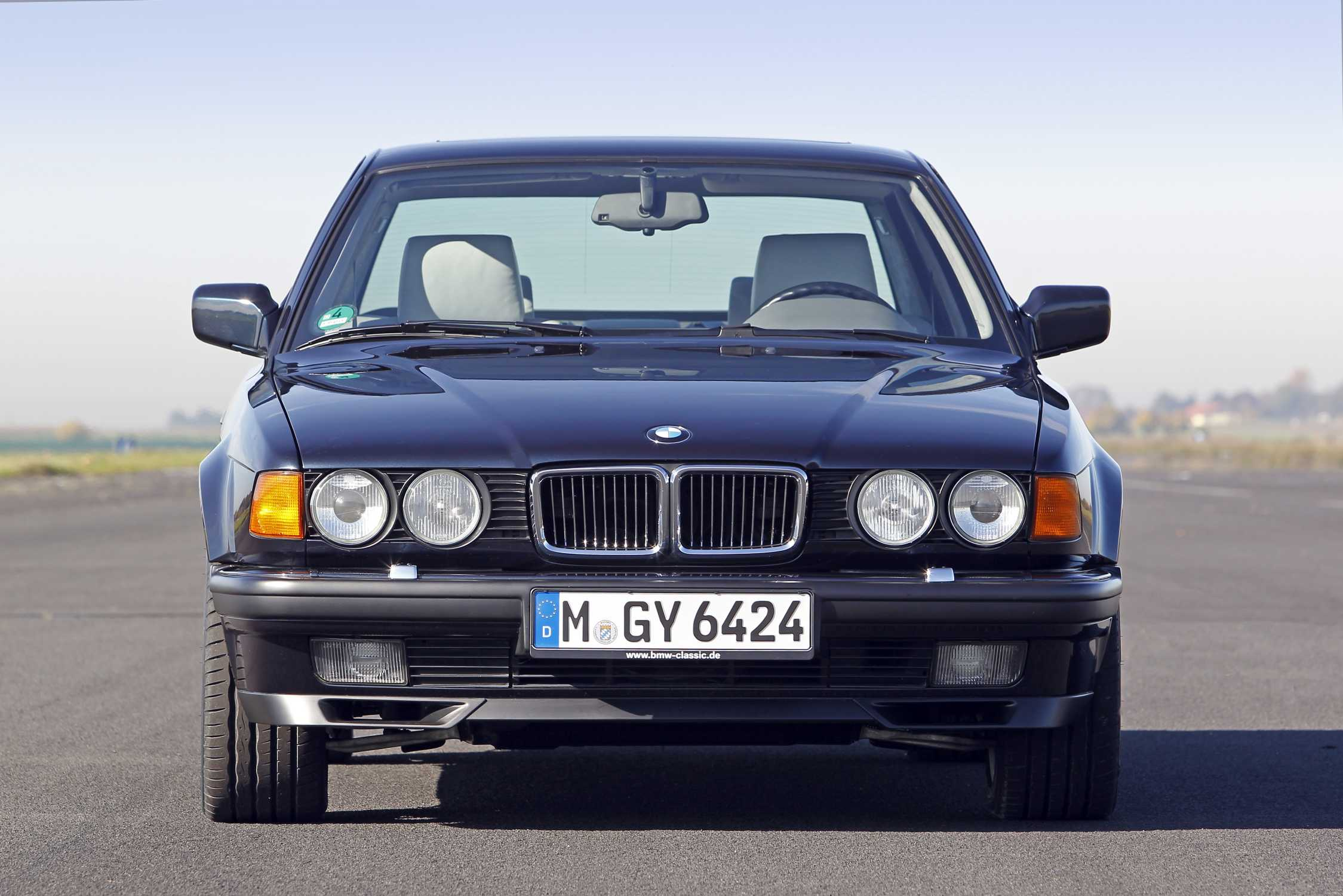 25 years of BMW 12cylinder engines setting new standards in the