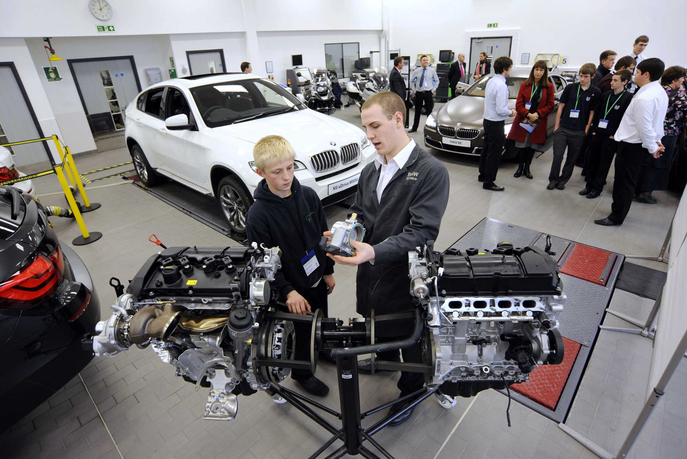 Bmw Group Academy Uk Helps Students And Teachers Discover